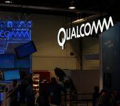 Apple dépose une plainte et réclame un milliard de dollars à Qualcomm