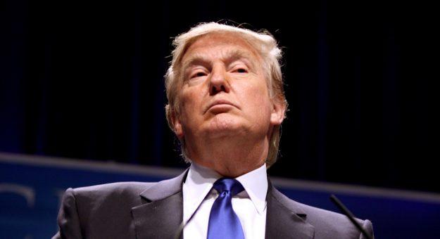 Violences à Washington : les réseaux sociaux suspendent les comptes de Donald Trump [MàJ]