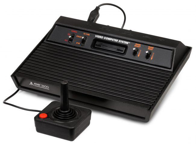 L'Atari 2600, sortie en 1977.