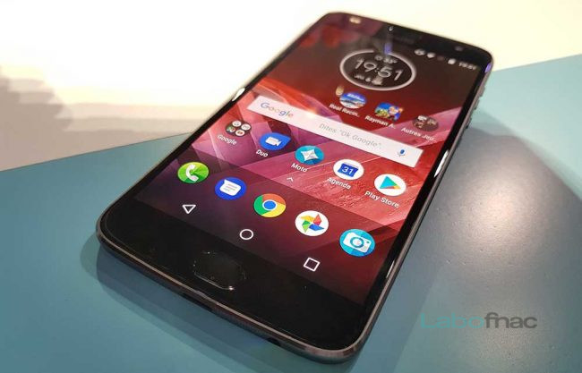 Prise en main du Motorola Moto Z2 Play et du Mod GamePad