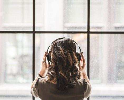 Guide d'achat : les meilleurs casques et écouteurs à réduction de bruit active