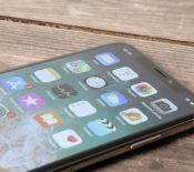 La production d'iPhone X ralentit et Samsung ne sait plus quoi faire de ses écrans OLED