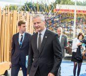 Bruno Le Maire part en croisade contre l'App Store et le Google Play