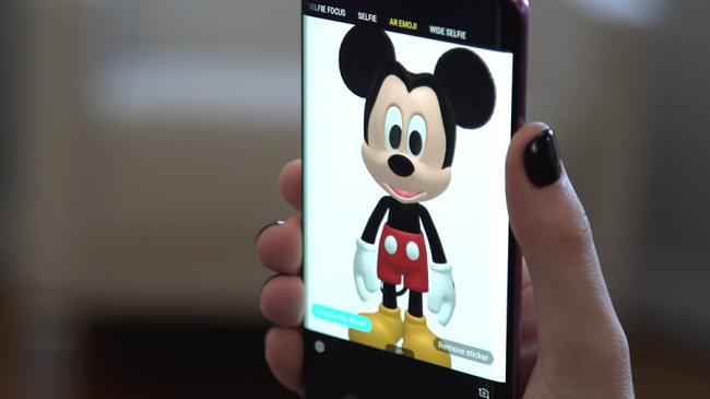 AR Emoji Mickey