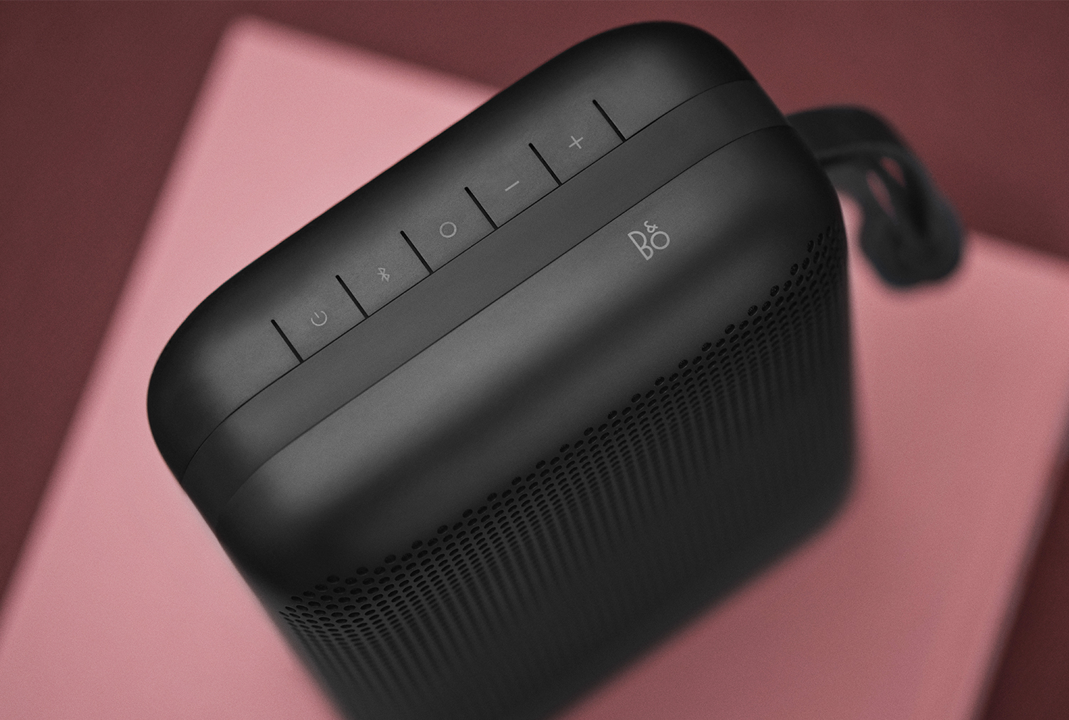 Beoplay p6 bang olufsen d voile une nouvelle enceinte - Enceinte portable bang olufsen ...