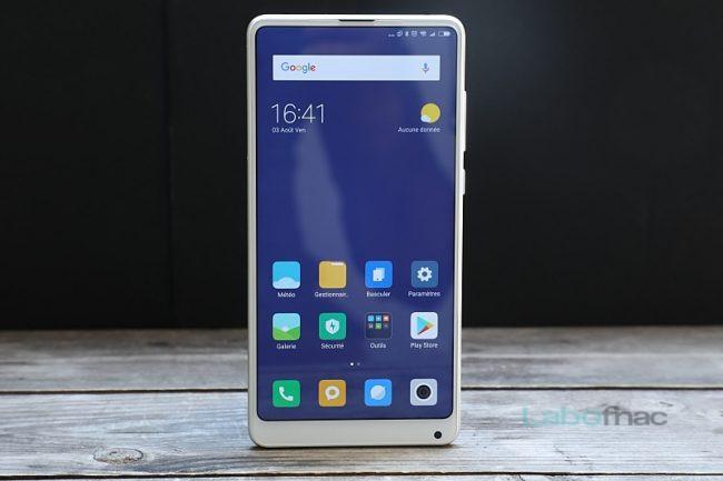 Le Xiaomi Mi Mix 2S a lui aussi droit à MIUI 10 © Fahim Alloul / LaboFnac
