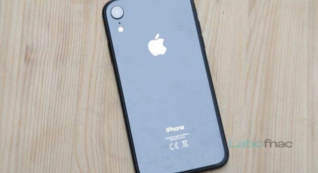 Résultats Apple : l'iPhone confirme ses difficultés, les services cartonnent