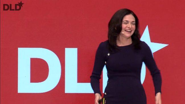 Sheryl Sandberg (Facebook) lors de son discours à la conférence DLD © Capture d'écran (YouTube / DLDconference)
