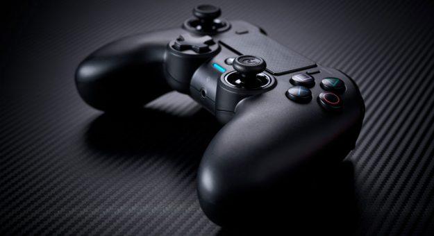 Nacon présente l'Asymmetric Wireless Controller, une nouvelle manette sans-fil pour PS4