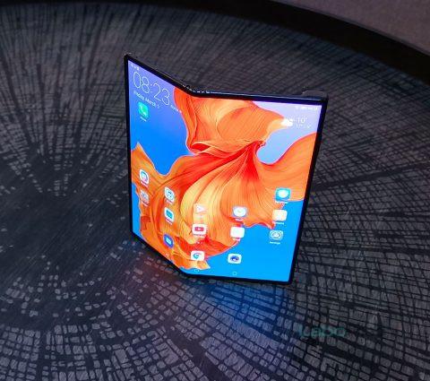 Huawei Mate X : le lancement du smartphone pliable est reporté à septembre