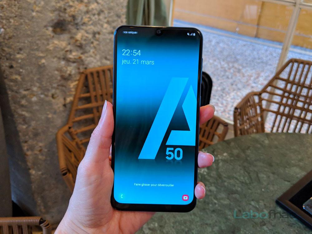 Prise en main du Samsung Galaxy A50 : coup de jeune sur le milieu de gamme du Coréen