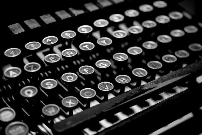 Machine à écrire AZERTY