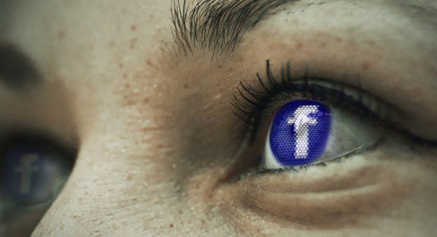 Facebook songerait à lancer une montre connectée