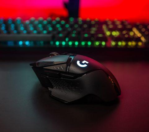 G502 Lightspeed : la souris gamer de Logitech passe au sans fil