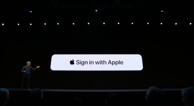 Apple Sign In with Apple