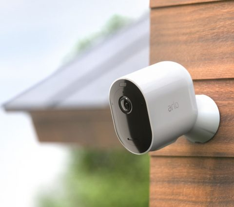Arlo Pro 3 : 2K HDR et vision nocturne couleur pour la caméra de surveillance
