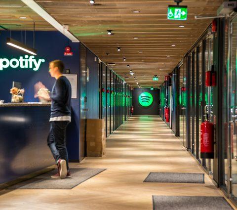 Spotify voit la vie en vert et creuse l'écart avec ses concurrents
