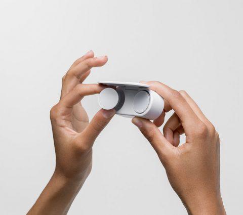 Surface Earbuds : Microsoft dévoile ses premiers écouteurs true wireless
