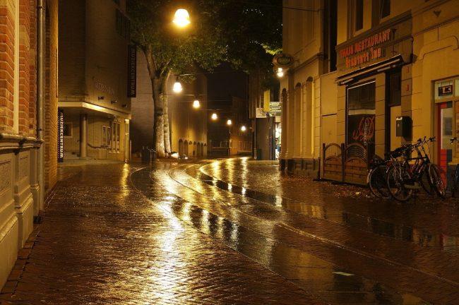 Lumière rue nuit