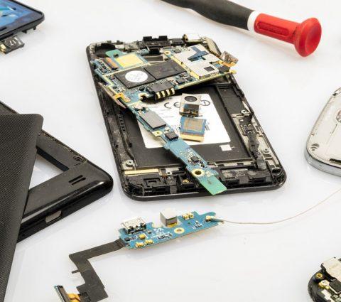 L'UE planche sur un droit à la réparation pour les smartphones, tablettes et PC