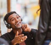 Live 300 TWS et Club 700BT, 950NC, One : JBL lance ses nouveaux écouteurs et casques