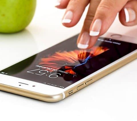 D'après Apple, le retrait du chargeur permet d'économiser 816 000 tonnes de métaux