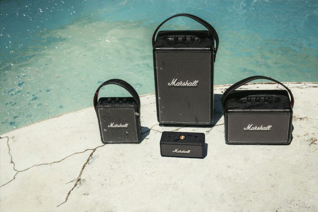 Dernière de la gamme d'enceintes portables Marshall, l'Emberton rejoint la Tufton, la Stockwell II et la Kilburn II © Marshall