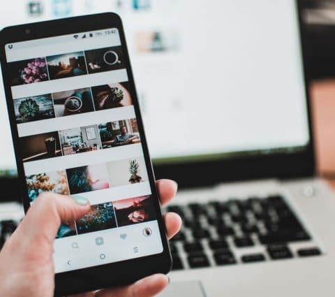 Instagram a conservé des photos et messages privés après leur suppression