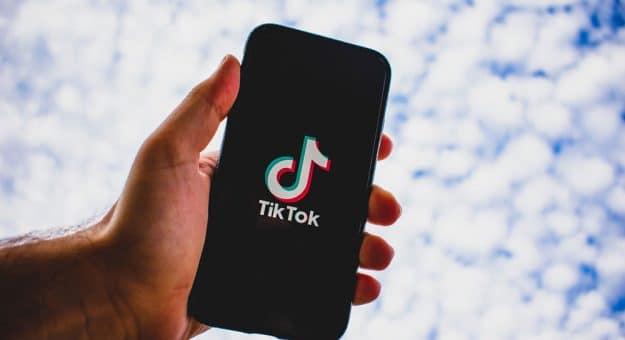 TikTok: denouvelles mesures pourmieux protéger lesadolescents