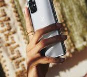 OnePlus 8T : un écran 120 Hz et de la charge (vraiment) rapide