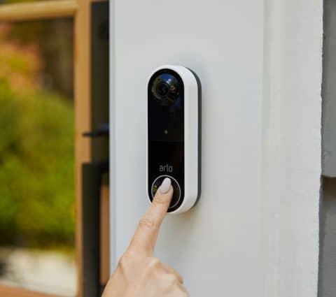 Arlo Essential Wire-Free Video Doorbell : une version sans-fil de la sonnette connectée