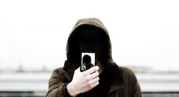 Facebook :19 millions de numéros de téléphone d'utilisateurs françaissont en vente sur Telegram