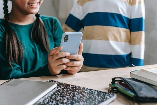enfants smartphone