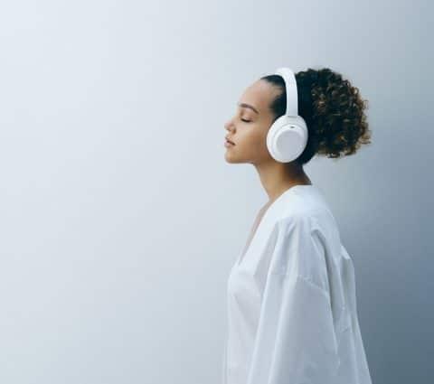 Sony WH-1000XM4 : une édition limitée Silent White arrive à la Fnac