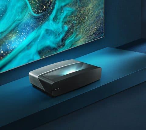 Hisense Laser TV et TV QLED : les partenaires idéaux pour le cinéma à la maison et les soirées foot