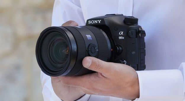 Très investi sur le marché des hybrides, Sony abandonnerait les appareils photo reflex
