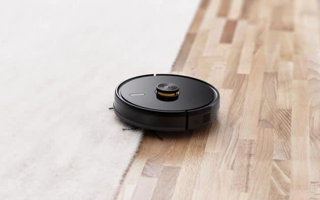 Le TechLife Robot Vacuum © Realme