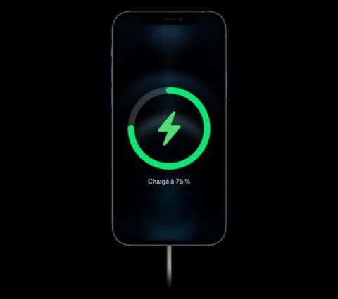 iPhone13: Apple proposerait unecharge rapide à25W enfilaire