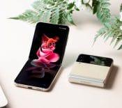 Galaxy ZFlip3: Samsung dévoile sonnouveau smartphone pliant àclapet