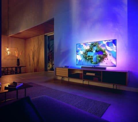 Philips OLED+986 etOLED+936: deuxnouvelles gammes deTV premium tournées verslejeuvidéo
