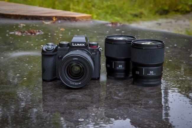 Le Lumix S 24 mm f/1,8 rejoint les Lumix S 50 mm f/1,8 et 85 mm f/1,8 © Panasonic