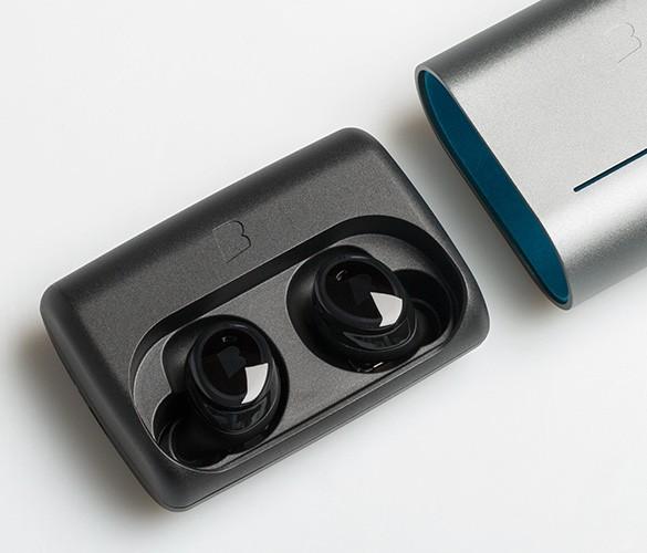 Bragi lance une version Pro de ses écouteurs sans fil et multifonction The Dash