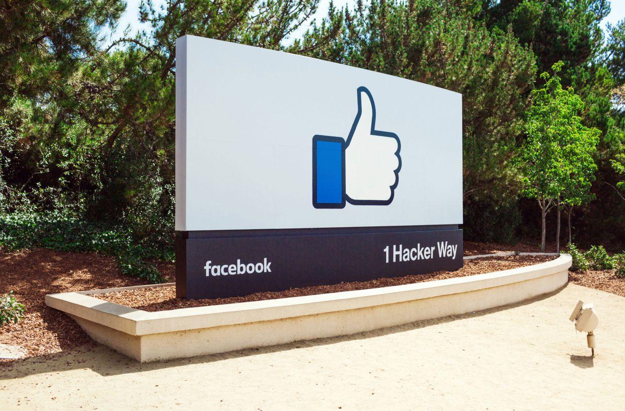 Facebook développe une IA pour ouvrir les yeux fermés sur les photos