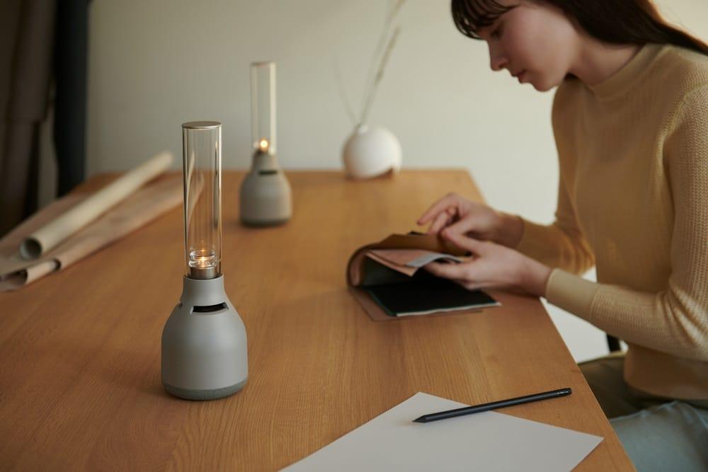LSPX-S3 : Sony renouvelle son enceinte lumineuse en verre et sans fil