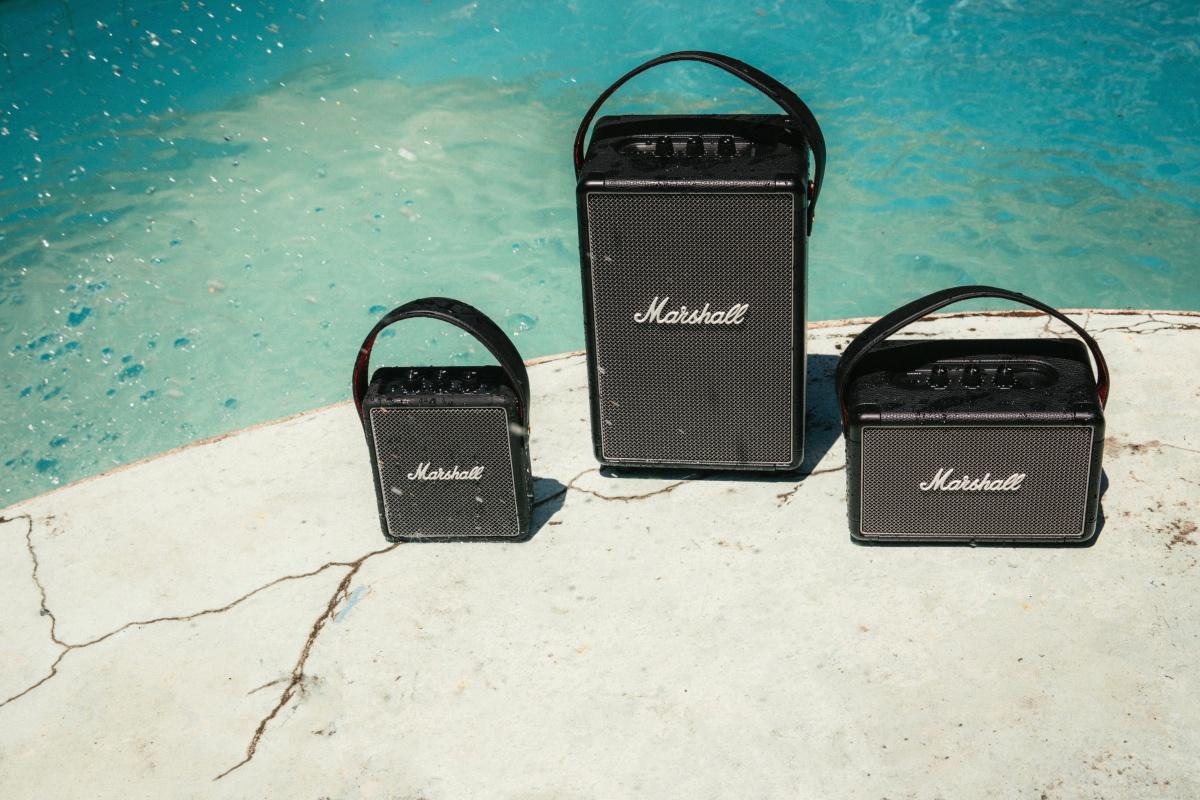 Marshall complète sa gamme d'enceintes portables avec les Stockwell II et Tufton