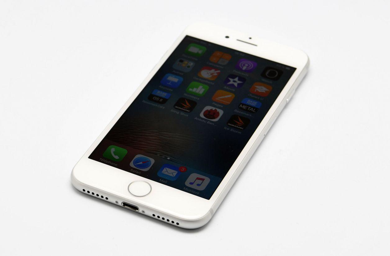 Même sans prise jack, les derniers iPhone tirent vers le haut les ventes de terminaux iOS