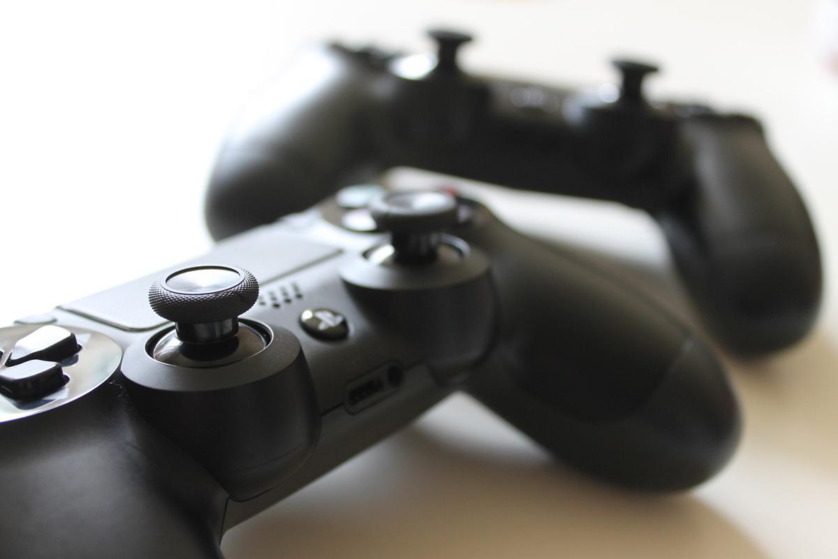 PlayStation : une nouvelle manette DualShock se dévoile dans un brevet