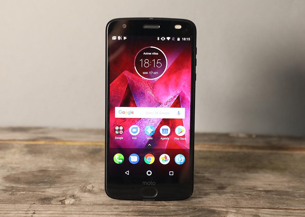 Prise en main du Motorola Moto Z2 Force : une élégante armure