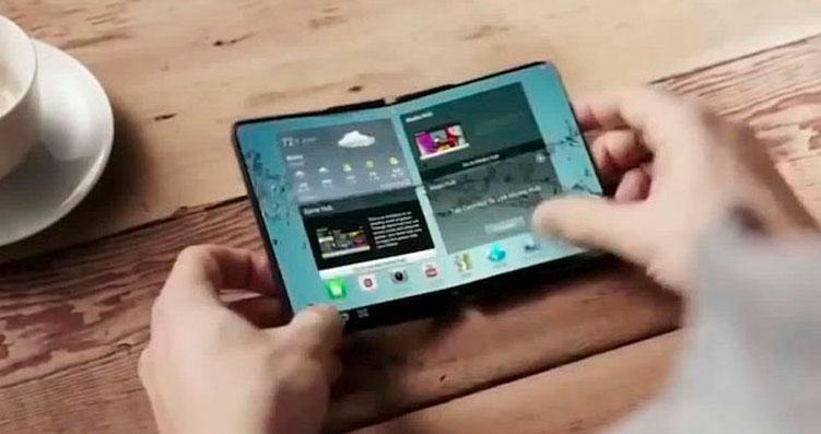 Samsung : le premier smartphone à écran pliable pourrait bien arriver dès août 2017