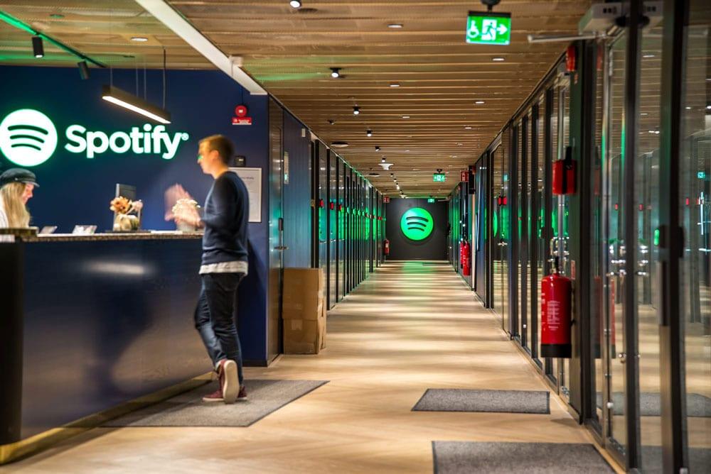 Spotify engrange toujours plus d'abonnés et progresse dans le podcast